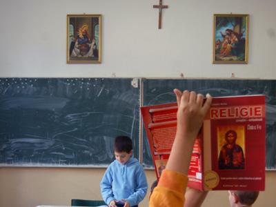 Ora de Religie, schimbată ilegal. Curtea Constituţională a dat o decizie care încalcă Legea Educaţiei. Federația Sindicatelor Libere din Învățământ