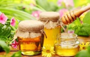 Mierea, balsam minune pentru piele, păr şi unghii