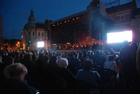 [FOTO] Seara muzicii clasice la Zilele Clujului. Niciodată orașul nu a fost mai vibrant. Zeci de mii de clujeni în Centru