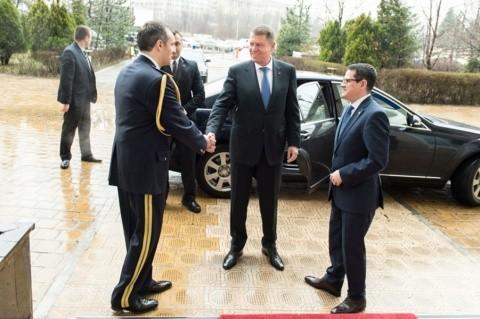 """Cornel Nistorescu: Iohannis e """"colonel"""" acoperit al serviciilor secrete"""