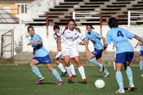 Aproape de elita fotbalului feminin