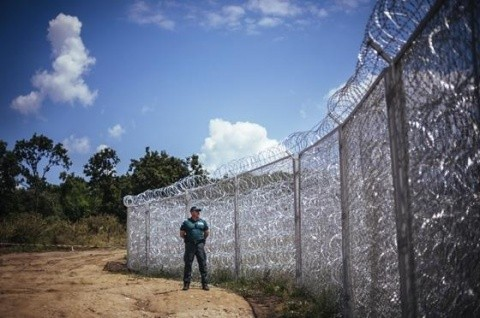 Orice musulman poate intra în Ungaria. Poliţiştii unguri care lucrau la graniţa cu Serbia nu mai sunt la posturi. Jobbik cere ermetizarea graniţelor