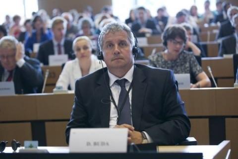 Daniel Buda îl avertizează pe Grindeanu: Infringement dacă depăşim ţinta de deficit de 3 la sută