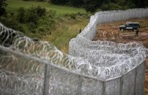 Ministrul Afacerilor Externe din Ungaria: Imigranții musulmani își schimbă ruta din Serbia spre România