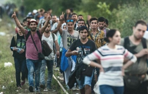 mii-de-imigranti-se-indreapta-spre-frontiera-cu-ungaria-324810