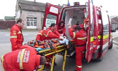 Tehnici de prim ajutor predate în şcoli de către paramedicii voluntari SMURD Cluj