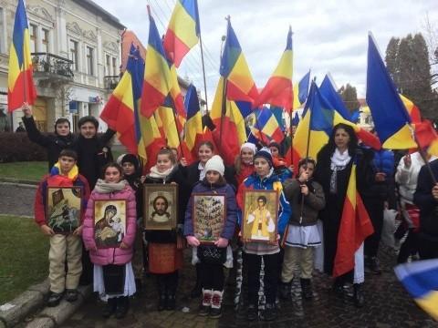 Tot mai putini copii în scolile din România.Diaspora se poate reîntoarce acasă dacă crede în patriotism