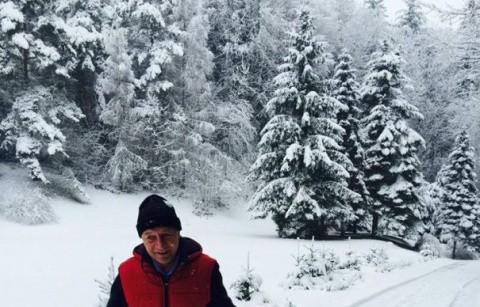"""Traian Băsescu: """"Pentru voi, bruxellezii, felicitări de sezon! Pentru noi, ROMÂNII, CRĂCIUN FERICIT!"""""""