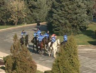"""Forțele de ordine din România s-au făcut de râs  cu invervenția de la protestul ciobanilor. Presa internațională: """"Ciobanii nu și-au adus câinii la protest, Jandarmeria și-a adus caii"""""""