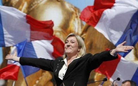 Reuniune a extremei drepte europene la București. Consilierii lui Marine Le Pen se întâlnesc cu col. Mircea Dogaru