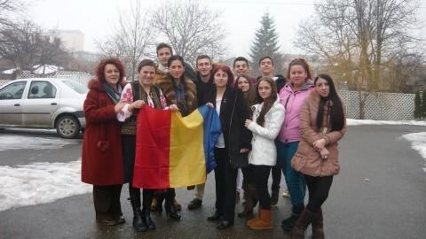 """Profesorii de istorie se revoltă:""""Sunt tăiate elementele identitare ale poporului român: limba română şi istoria"""""""