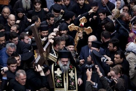 Evreii vandalizează porțile si zidurile Seminarului Ortodox din Ierusalim. Patriarhul reactionează