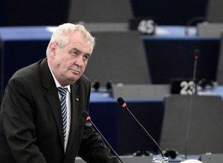 """Preşedintele Cehiei: """"În Europa asistăm la o invazie organizată a imigranţilor. Această invazie e organizată de mişcarea Fraţii Musulmani, un paravan al militanţilor islamişti"""""""