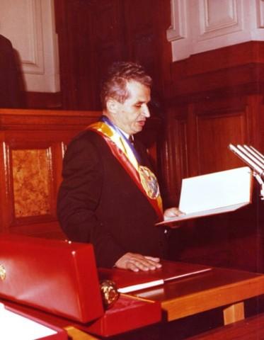 1974_Nicolae Ceausescu depune juramantul in calitate de presedinte