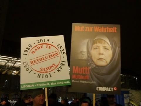 Merkel-Scarf-Leipzig