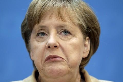 După ce i-a invitat! Merkel vrea să scape mai repede de cei care nu primesc azil în Germania
