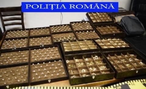 Bijuterii de 1.000.000 de lei confiscate din Florești, în trafic