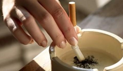La Cluj-Napoca, patronii au pus pături la dispoziție fumătorilor să nu le fie frig