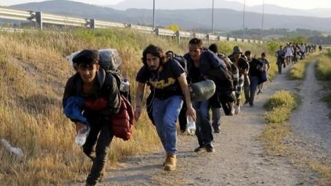 Austria avertizează: frontierele UE în Balcani se pregătesc să se spargă cu până la 20 de mii de migranți