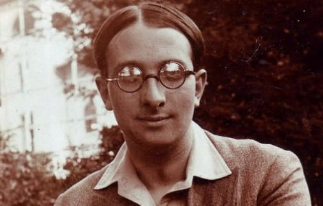 Poemul Zilei de Radu Gyr, născut pe 2 martie 1905: Ridică-te, Gheorghe, ridică-te, Ioane!  (Video)