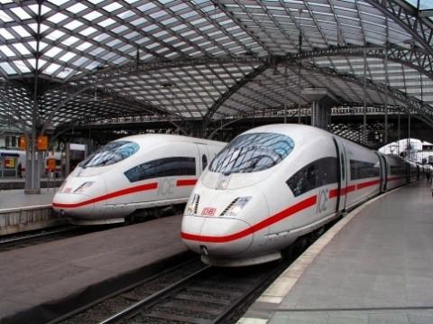 Germania va introduce transportul public gratuit in marile orașe, pentru a scapa de mașini și de poluare