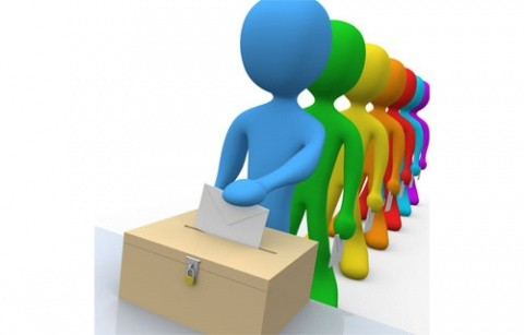 Sondaj: 82% dintre românii cu drept de vot sunt de acord cu modificarea Constituţiei
