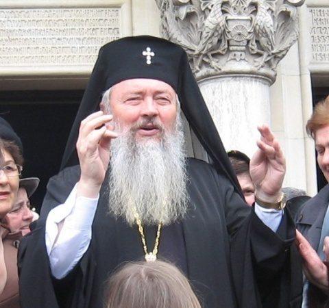 """IPS Andrei, mitropolitul Clujului, alături de tinerii țării. """"Biserica îi iubește pe tineri și dorește ca țara să aibă un viitor mai bun"""""""