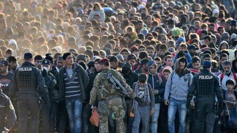 Secţie de votare la Consulatul Ungariei din Cluj pentru referendumul din ţara vecină privind imigranți