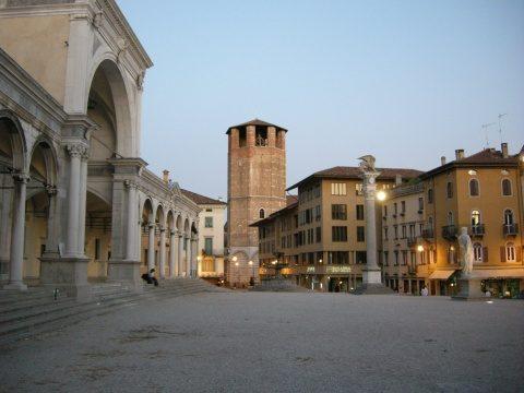 Udine,_palazzo_01
