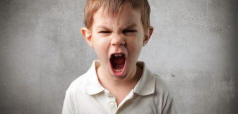 Ce să faci când copilul este supărat, nervos sau ostil