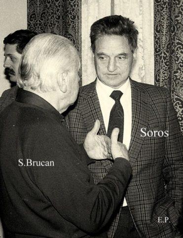 Silviu Brucan, gazda lui George Soros la GDS (Grupul pentru Dialog Social) in ianuarie 1990. FOTO-DOCUMENTE de Emanuel Parvu