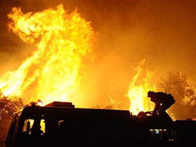 Incendiu devastator la o rampă temporară de deşeuri, în zona Pata Rât