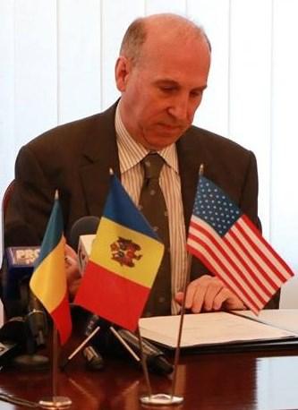 Scrisoare deschisă adresată domnului James Pettit, ambasador extraordinar și plenipotențial al SUA la Chișinău