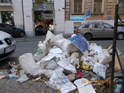 14 persoane care depozitau ilegal deșeuri au fost depistate de polițiștii locali la Cluj-Napoca