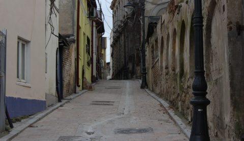Poemul Zilei: Călătorie la marginea orașului