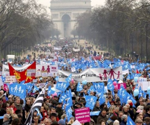 tens-of-thousands-march-in-paris-against-gay-marriage