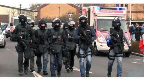 Poliția din Germania anchetează zeci de ofițeri cu simpatii neo-naziste. Refuza să accepte autoritatea statului german după Al Doilea Razboi Mondial