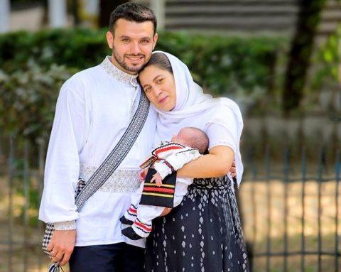 Deputații au votat pentru definirea familiei ca uniunea dintre un bărbat și o femeie