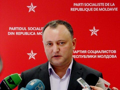 Dodon le-a interzis militarilor moldoveni să vină în România
