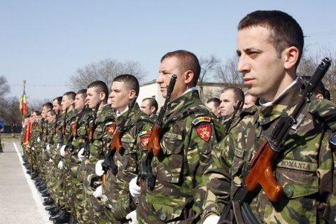 Mihai Fifor anunță că analizează reintroducerea stagiului militar obligatoriu: 'El este suspendat, nu anulat'