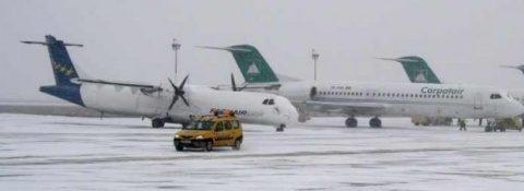 Întârzieri la cursele aeriene interne la Cluj, din cauza frigului