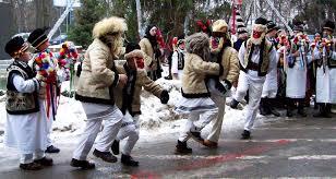 Obiceiuri de Anul Nou • Datini şi tradiţii de Anul Nou la români: Capra, Plugusorul, Ursul, Sorcova