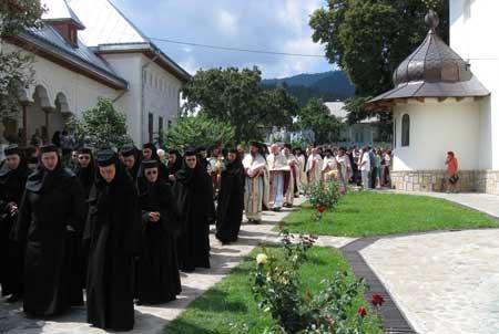Mărturisirea maicilor de la Mănăstirea Văratec care resping Sinodul din Creta