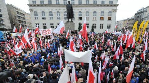 Polonezii se reîntorc acasă din Diaspora, românii preferă departe de țară
