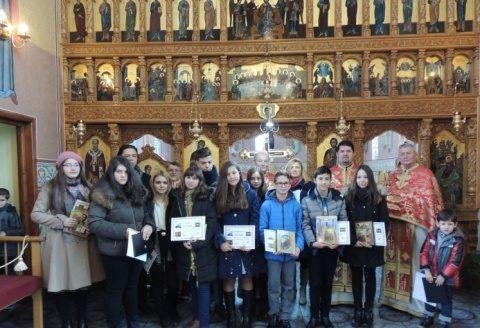 """Tinerii olimpici sărbătoriți la Biserica """"Nașterea Domnului"""" din Cluj"""