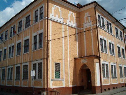 Plângere la CNCD din partea unor părinţi supăraţi că ISJ a respins o clasă de artă, în Cluj-Napoca