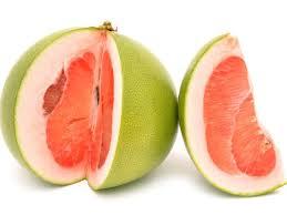 Pomelo, fructul care te menţine tânăr