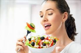 Modalități prin care să mănânci mai puțin
