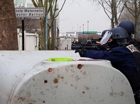 Revolte la Paris. Situația poate deveni critică
