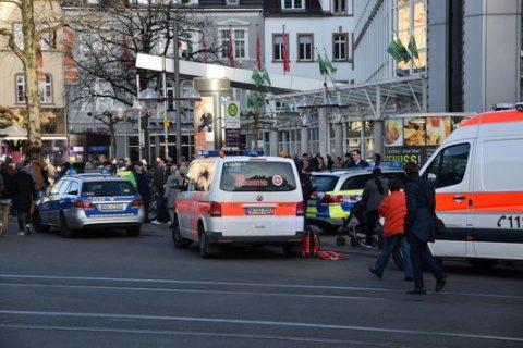 Metoda palestiniană în Germania: un șofer a intrat cu mașina în pietoni